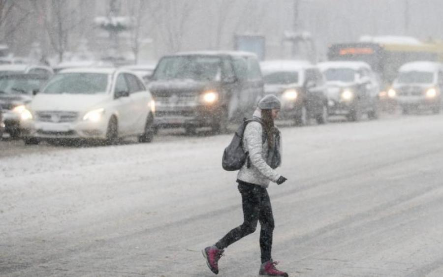 Без лишней надобности лучше не выходить из дома! На Украину надвигается мощный шторм, кто пострадает больше