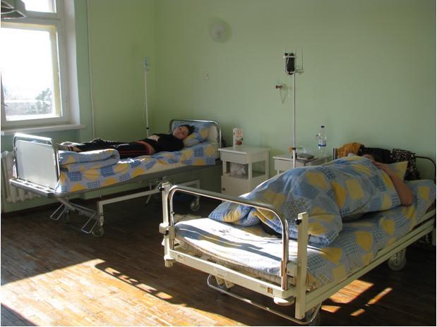 Болит голова, появилась диарея и рвота: Более двух десятков беременных госпитализировали с неизвестной инфекцией