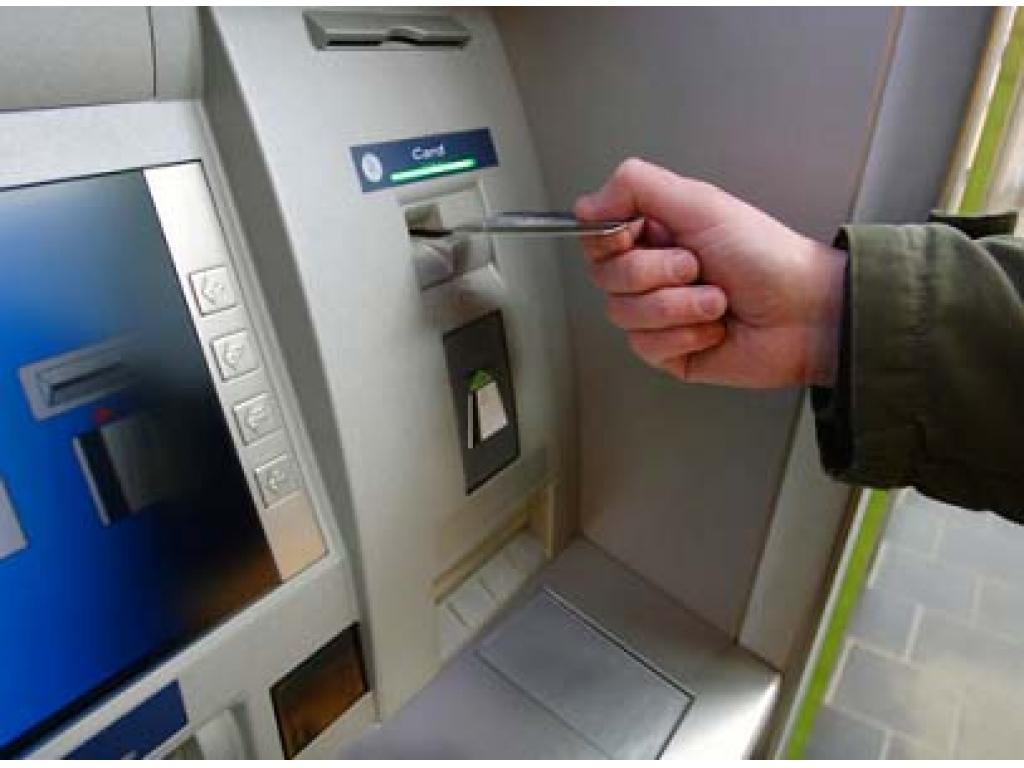 «Один человек погиб, трое пострадавших»: произошла стрельба во время ограбления банкомата