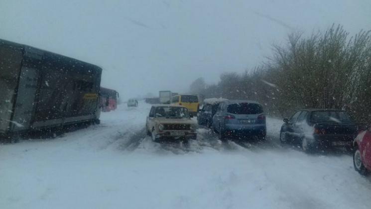 «Мокрый снег, ветер и…»: Какая погода ожидает украинцев в предновогодний день