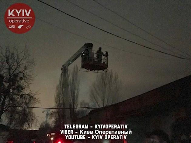 Сегодня ночью в Киеве произошел масштабный пожар, который едва потушили