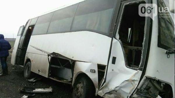 «Водитель превысил скорость…»: Рейсовый автобус столкнулся с легковым автомобилем