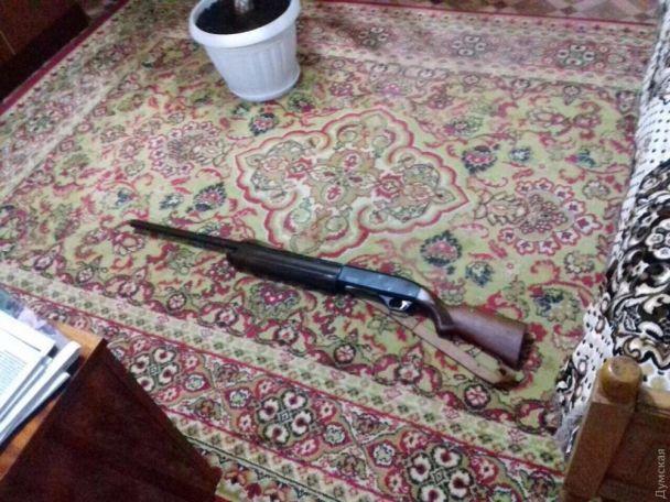 Пытался убить жену и дочь, открыл огонь по прохожим: Семейная драма в Одесской области