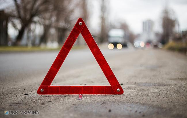 Смертельное ДТП в Черниговской области, один человек погиб, еще 4 пострадали