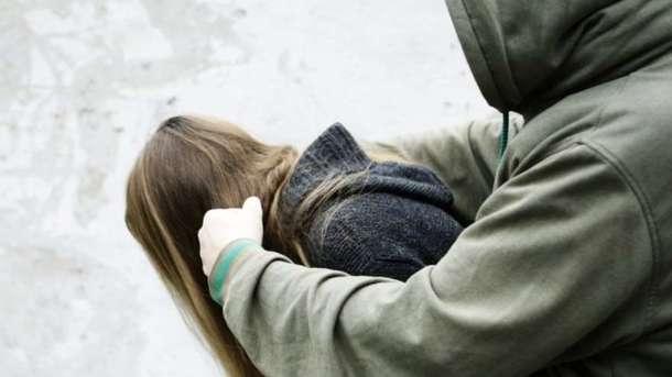 «Используя беспомощное состояние детей»: Мужчина жестоко изнасиловал двух несовершеннолетних