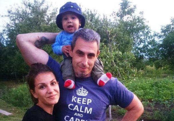 Куда могли пропасть молодая мать с младенцем? В Кременчуге мужчина уже три дня разыскивает свою семью