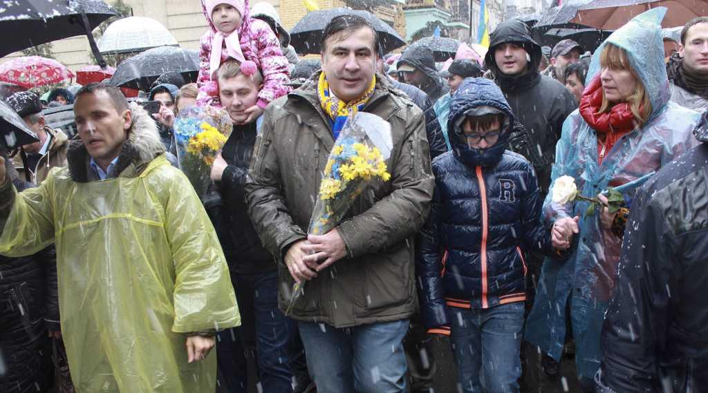 Полная клиника! Саакашвили «поймали за лезгинкой на горе крымских татар»