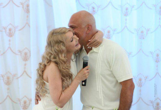 «Меня соблазнил ее голос»: муж Юлии Тимошенко рассказал историю их любви, а также о каких любовниках сообщала пресса