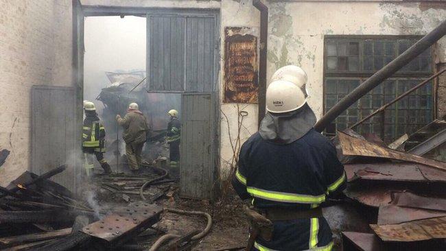 «Произошел разлет 3-х баллонов и возник пожар»: На Днепропетровщине взорвалась цистерна с газом