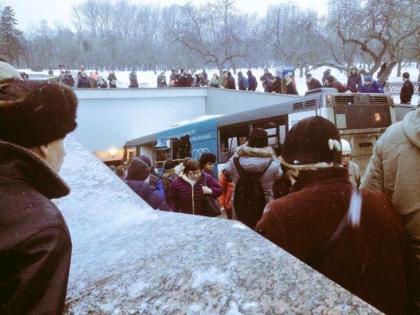«Снес группу людей, много пострадавших…»: Автобус влетел в подземный переход