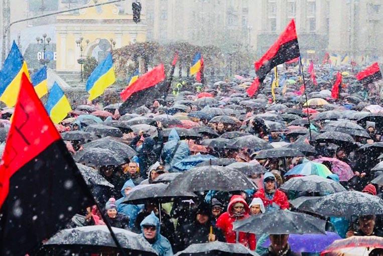 «На этой неделе нас будет 100 000»: Завтра состоится массовый протест в центре Киева, узнайте подробности