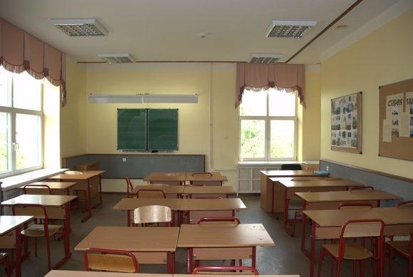 «В класс прибежал мальчик и…»: Учительница умерла прямо во время урока