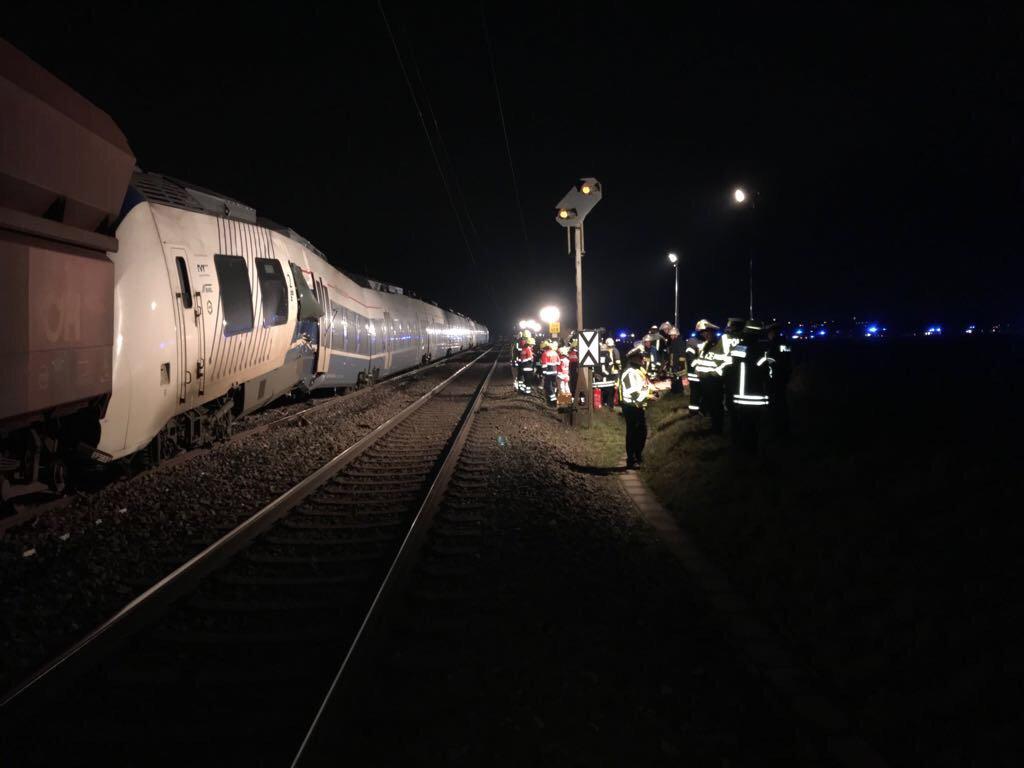 Ужасная трагедия: Столкнулись два поезда, пострадали 50 человек