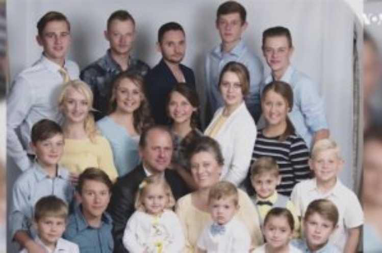 «Забыли Тарасика»: В Сети показали как живет украинская семья с 15 детьми в США