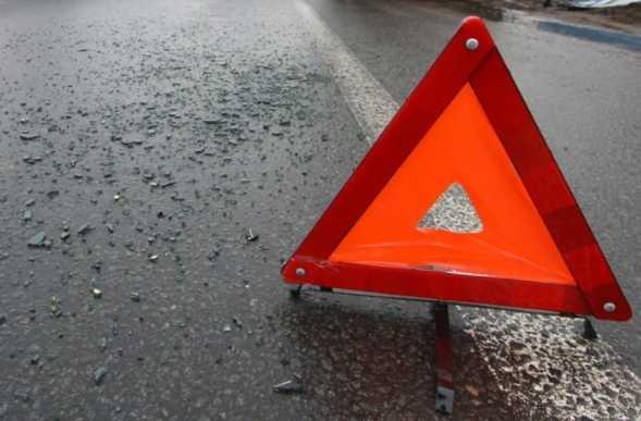 В Черновцах произошло ужасное ДТП: Lexus на еврономерах сбил 26-летнюю девушку