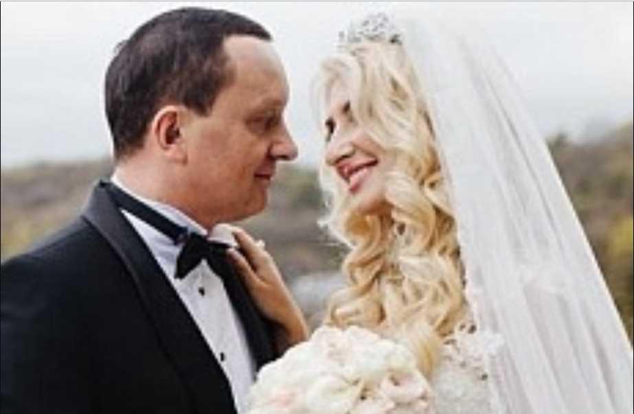 «Такой платье вы точно еще не видели!» В Сети появились эксклюзивные фото со свадьбы Севостьяновой