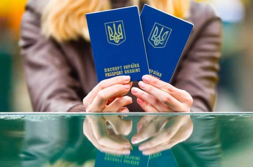 Что изменится для украинцев с 1 декабря: новый безвиз, повышение цены на газ и «приказовые» алименты