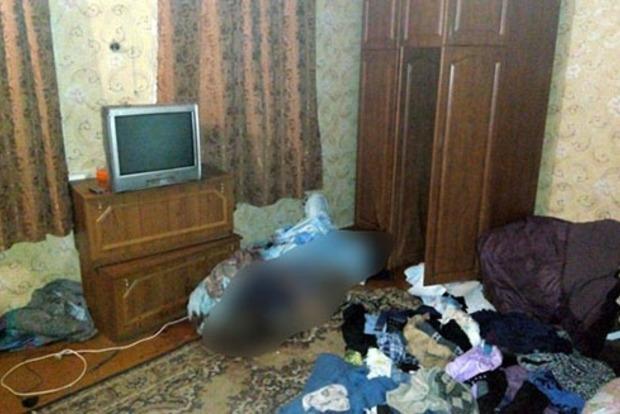 Еще три дня прожил вместе с телом: В Краматорске сын хладнокровно убил свою мать