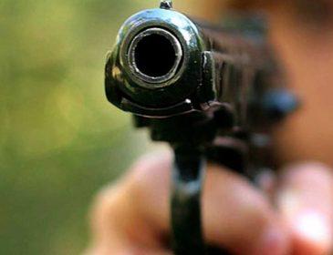 На территории университета мужчина сначала застрелил свою жену, а после покончил с собой
