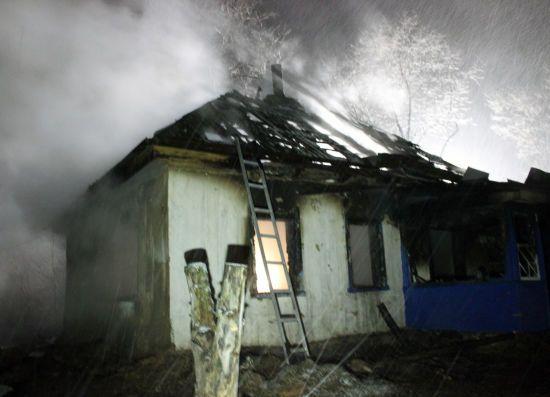 Бездыханные тела нашли на пепелище: Страшная трагедия в Черкассах унесла жизни четырех детей