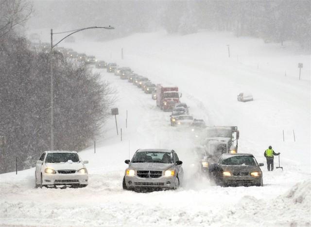 «На дорогах — сложная ситуация»: Синоптик предупредила о неприятных сюрпризах от погоды на завтра