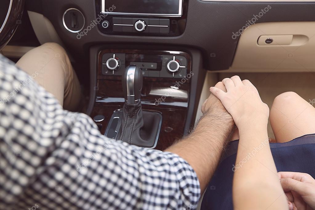 «За рулем на скорости 112 км/ч занялись любовью»: Бешеная парочка ошеломила своей выходкой (ВИДЕО)