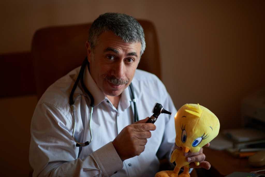 «Необходимо категорически запретить всем чиновникам получать лечение за пределами Украины…»: Комаровский сделал эмоциональное обращение
