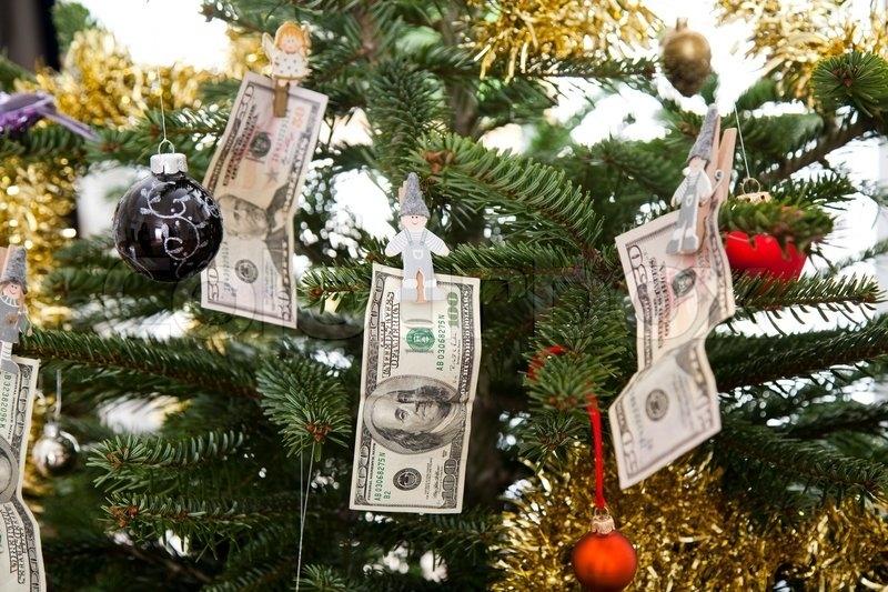 Не мыть посуду и одежда с карманами: как встретить Новый год, чтобы водились деньги