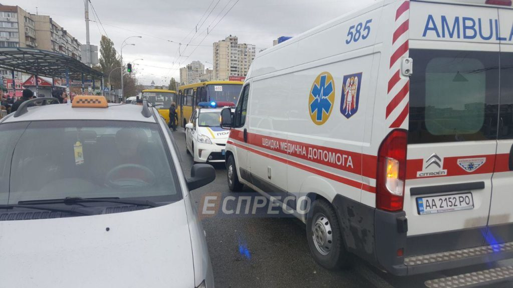 В Винницкой области произошел ужасный случай: под колесами автомобиля погиб пешеход