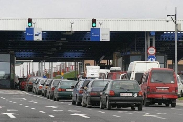«Не выпустят за границу и не дадут управлять автомобилем…»: Кого из украинцев будет касаться новый закон