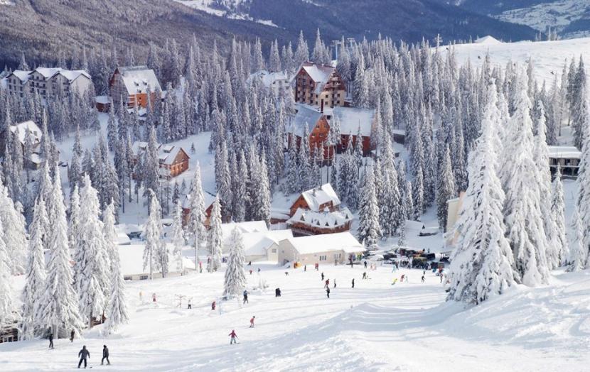«Пластырь за 500 грн»: Скандал вокруг популярного в Украине горнолыжного курорта