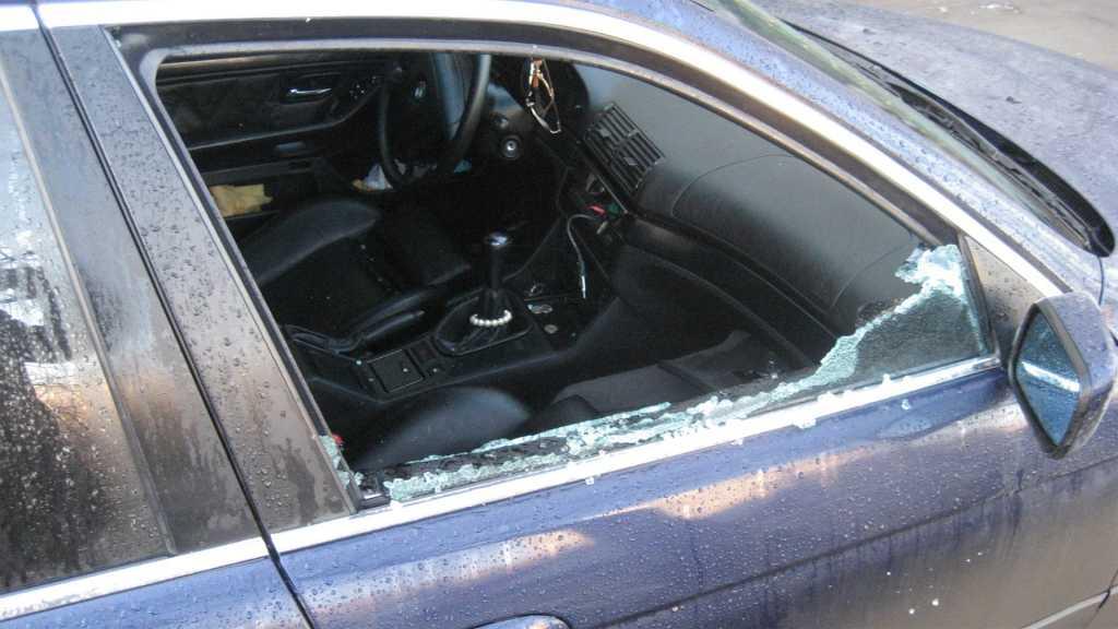 «@опа Новый год»: Известному украинскому певцу разбили машину