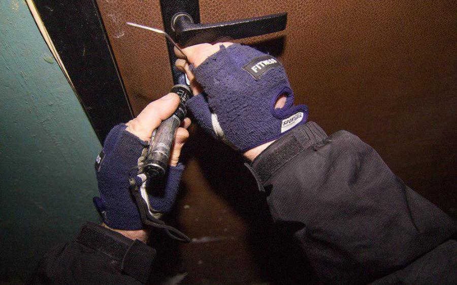 «Не закрыли входную дверь…»: Полмиллиона гривен украли из двух квартир