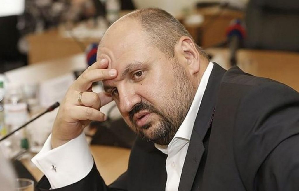 Янтарная троица. Как удалось Бориславу Розенблату вознестись над смертными.?