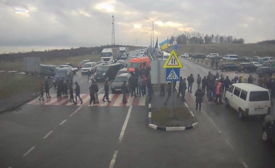 На Львовщине пекитирущие украинцы заблокировали границу