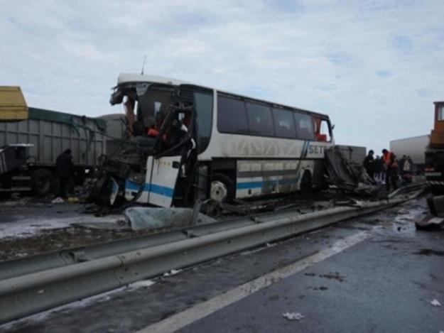 Еще одна трагедия! На Одесской трассе в ДТП попала маршрутка с пассажирами, есть пострадавшие
