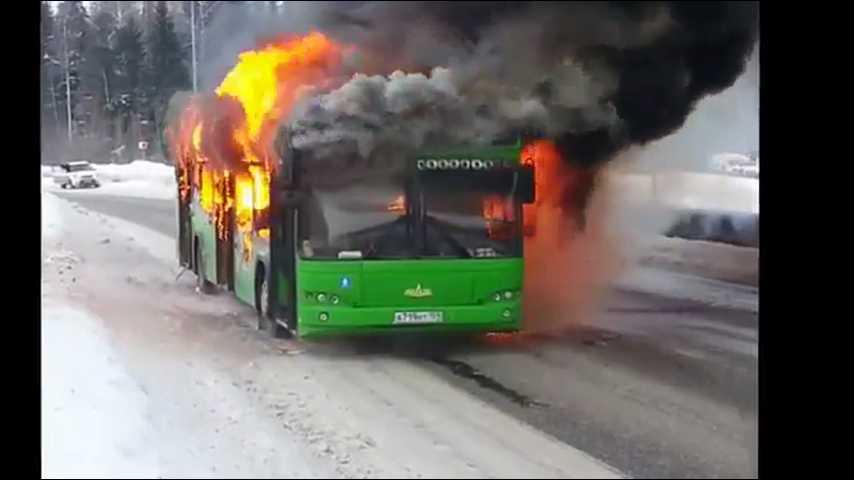 Сгорели заживо! В автобусе погибли 52 человека из-за внезапного пожара