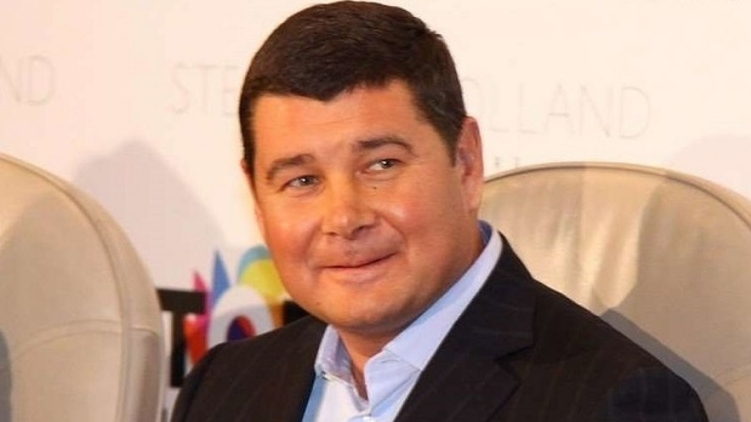 «Красавец необычайный, добрый, щедрый и …»: Известную модель застукали в компании нардепа Онищенко