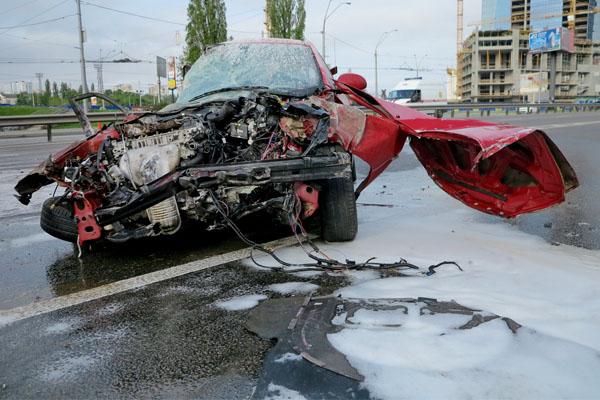В Кривом Роге произошло серьезное ДТП, женщина попала под колеса