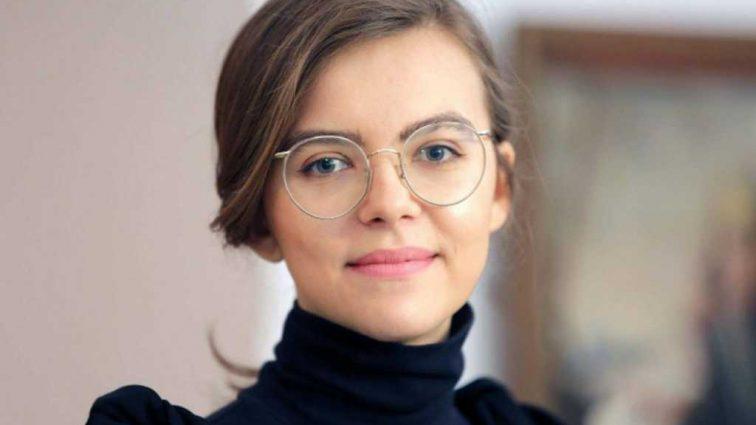 «Нашла свое место?» Экс-заместитель Авакова, которая прославилась пикантными снимками, пошла на новую работу