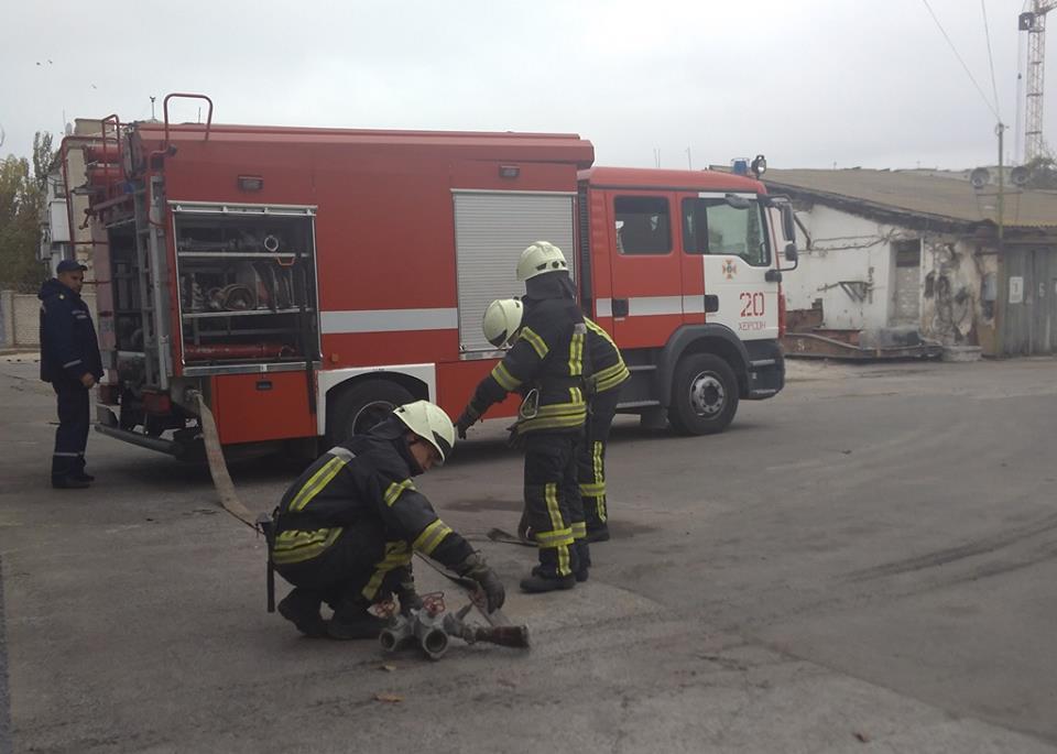 Горят склады: Жуткий пожар охватил Львов