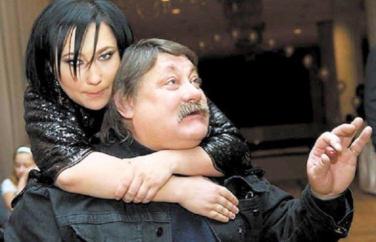 «Серьезно травмировалась»: Известная украинская продюсер Алена Мозговая попала в больницу, появилось первое фото