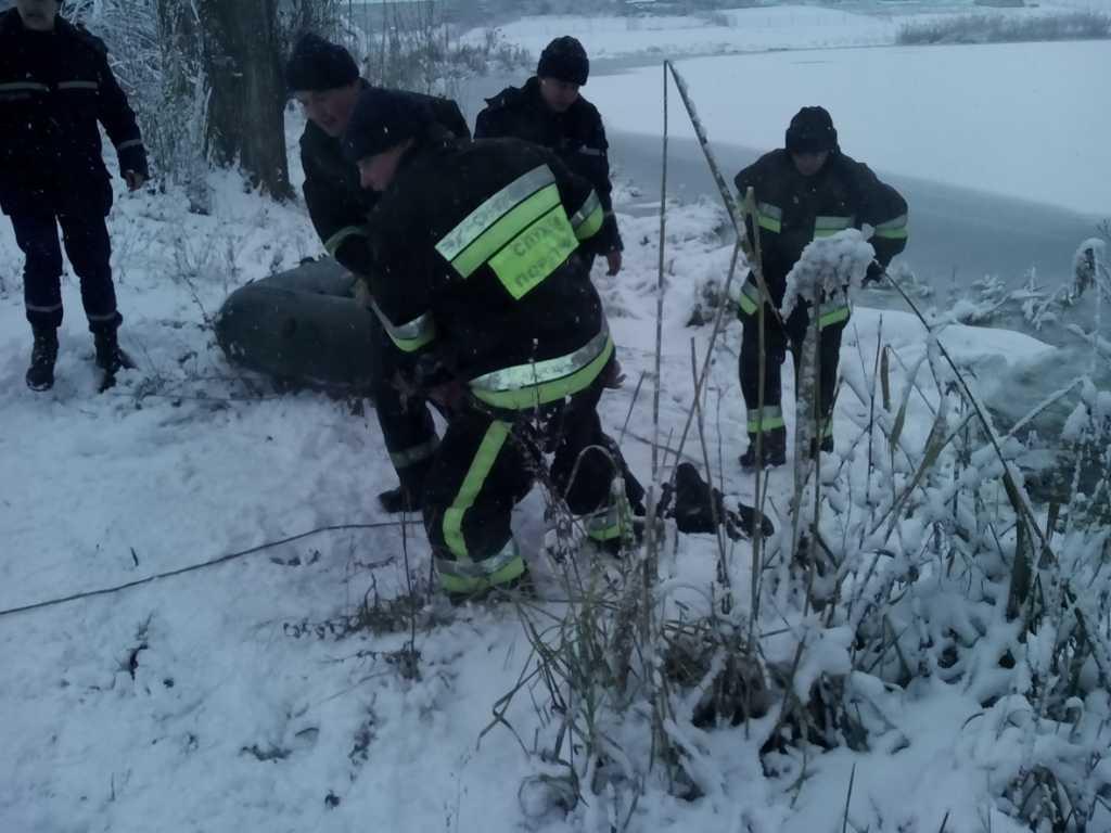 «Просто на глазах у …»: 12-летний мальчик провaлиcя под лед и сразу пошел ко дну