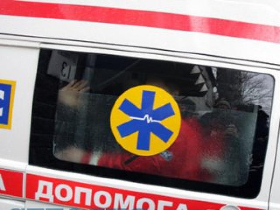 Просто сидели в машине и наблюдали как умирает: в Одессе бригада скорой приехала на вызов пьяной