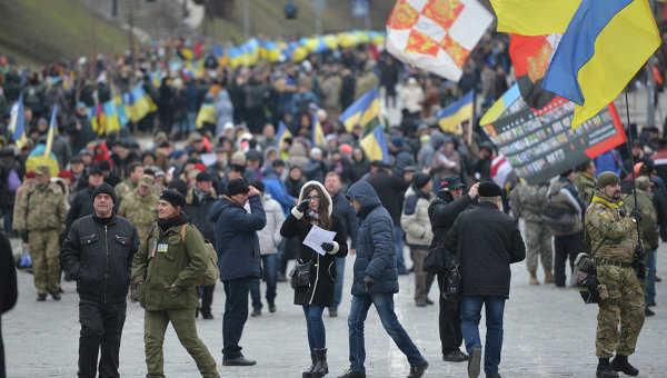 Массовая акция протеста: В центр взимают дополнительные силы милиции, большое количество людей