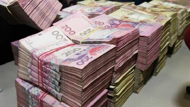 Украинцам могут поднять зарплату до 500 евро и изменить структуру окладов для бюджетников