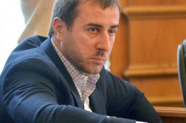 Нардеп Рыбалка отсудил у малолетней дочери дом который ему не принадлежит