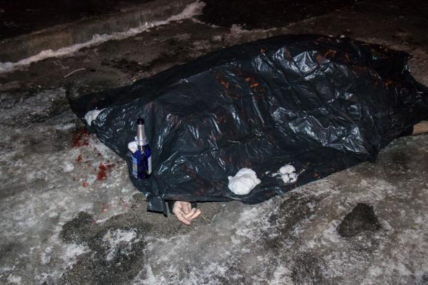 «Перед смертью его похитили и пытали»: Неизвестные подбросили труп прямо под дом