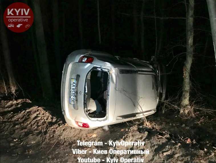 «Машину заблокировали местные жители…»: Пьяный судья совершил ДТП
