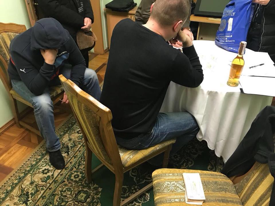 Полиция поймала с поличным директора международного аэропорта Николаев